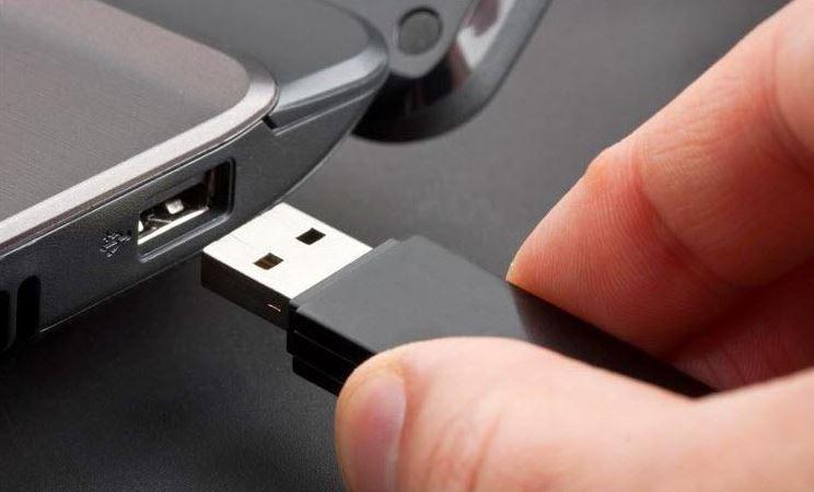 Uppgradera från Windows 7, 8 eller installera via USB