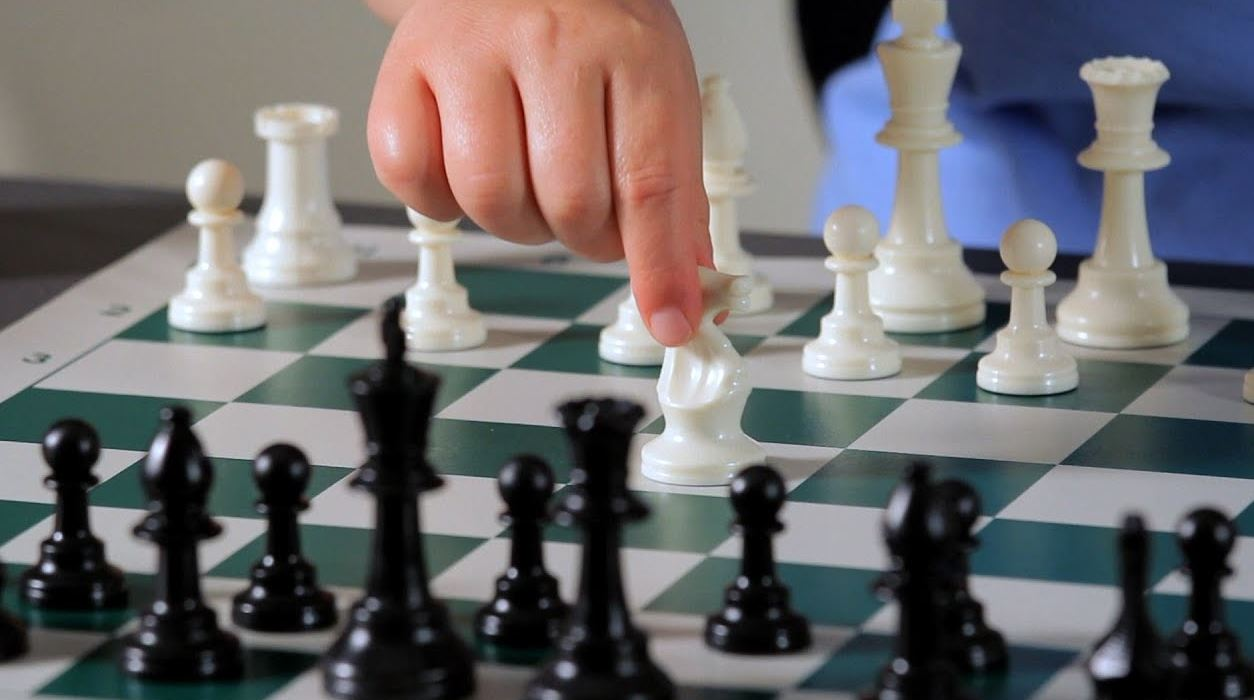 chess-pieces-movement
