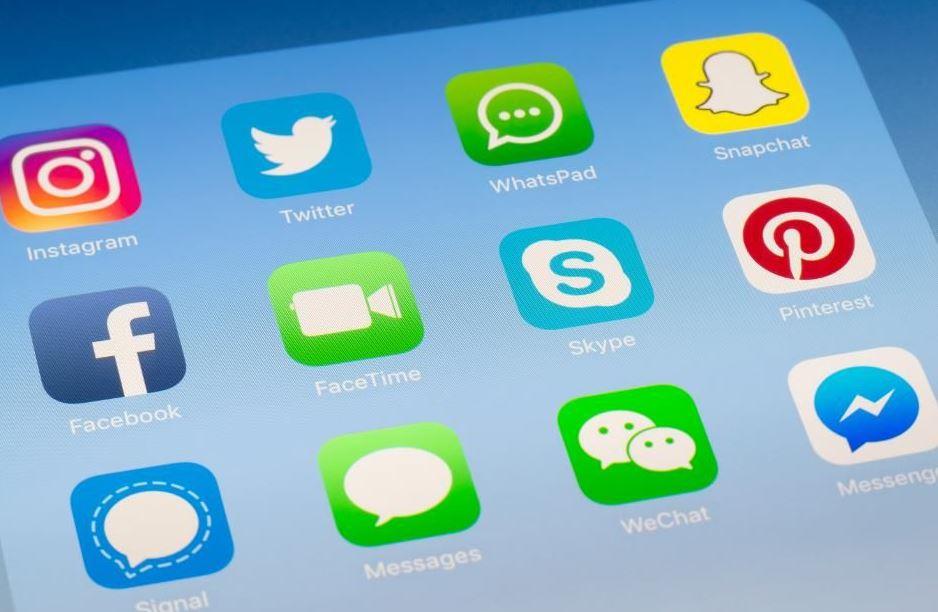 facebook messenger och whatsapp chattapparna