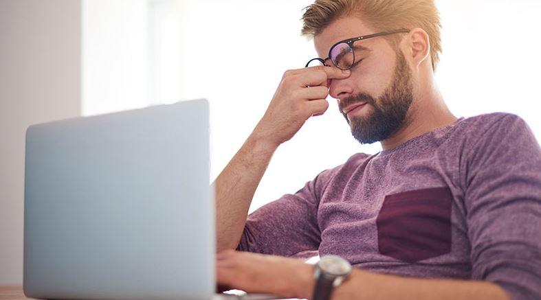 stress kan orsaka huvudvärk